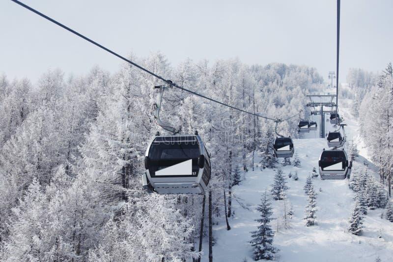 Ascenseur d'Alpes image stock