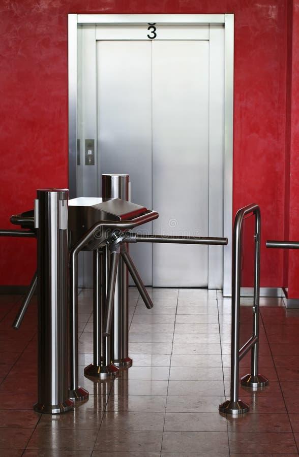 Ascenseur moderne de construction image libre de droits