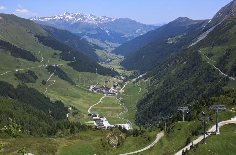 Ascensore a Hintertux, valle di Ziller, Austria della gondola immagine stock