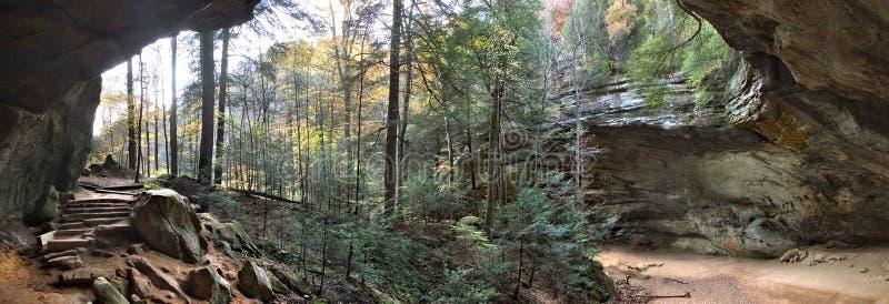 Aschen-Höhle lizenzfreies stockbild