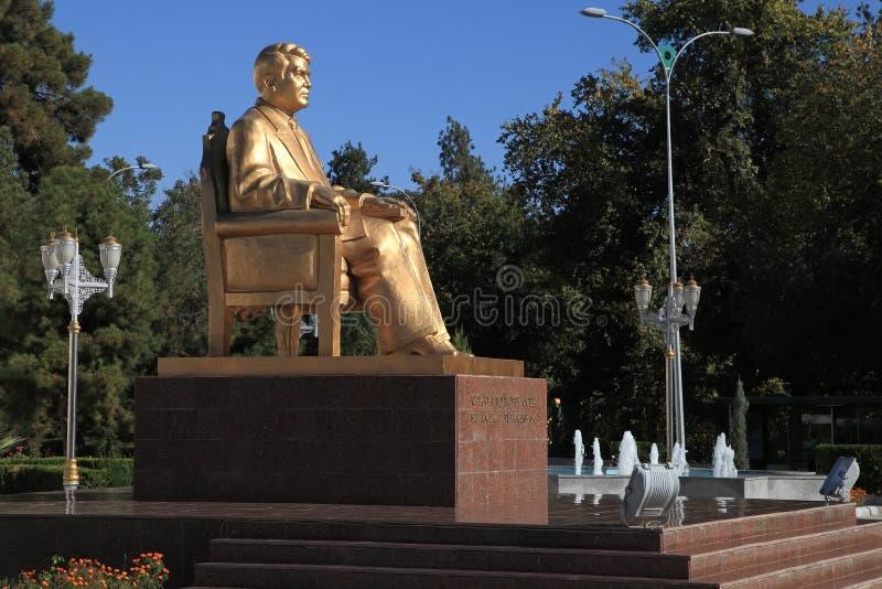 Aschgabat, Turkmenistan - 23. Oktober 2014 Monument zum ersten lizenzfreie stockfotografie