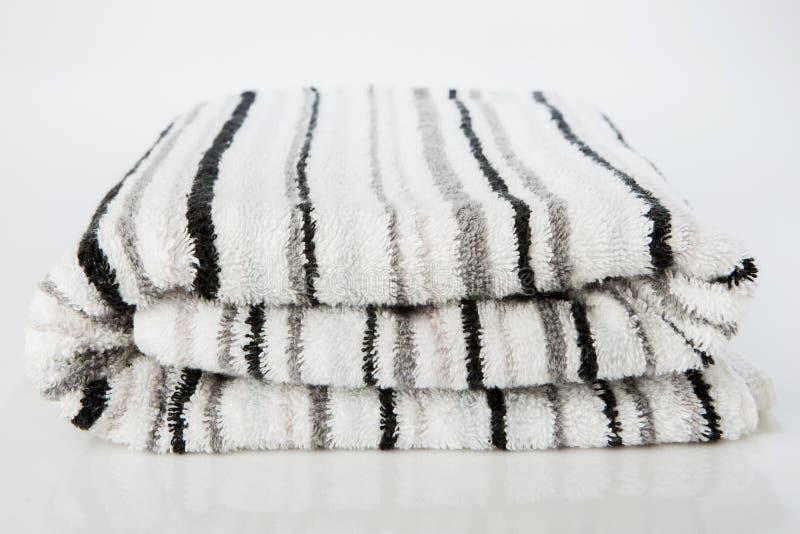 Asciugamano bianco della stazione termale immagine stock libera da diritti