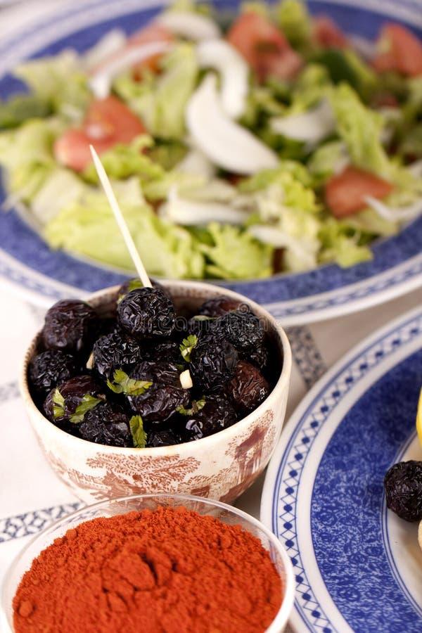Asciughi le olive nere immagini stock