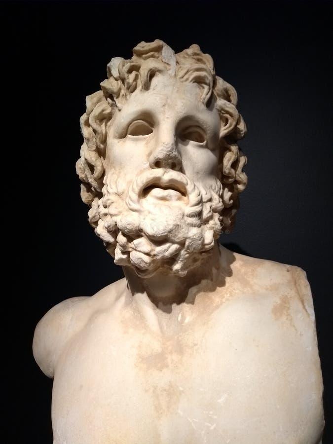 Asclepius was een held en een god van geneeskunde in oude Griekse godsdienst en mythologie stock foto