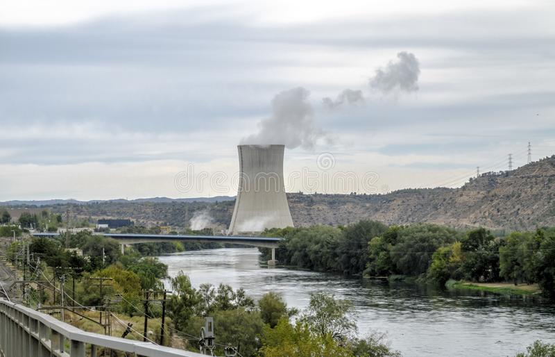 Asco kärnkraftverk, Tarragona Catalonia, Spanien royaltyfri foto