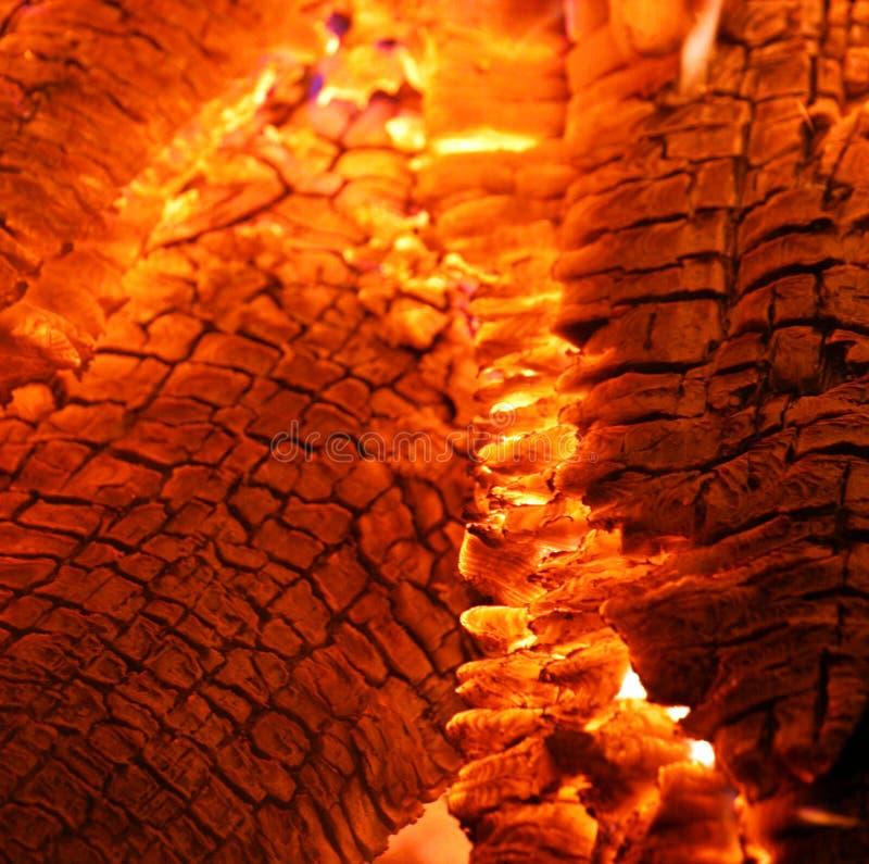 Ascuas calientes ardientes foto de archivo