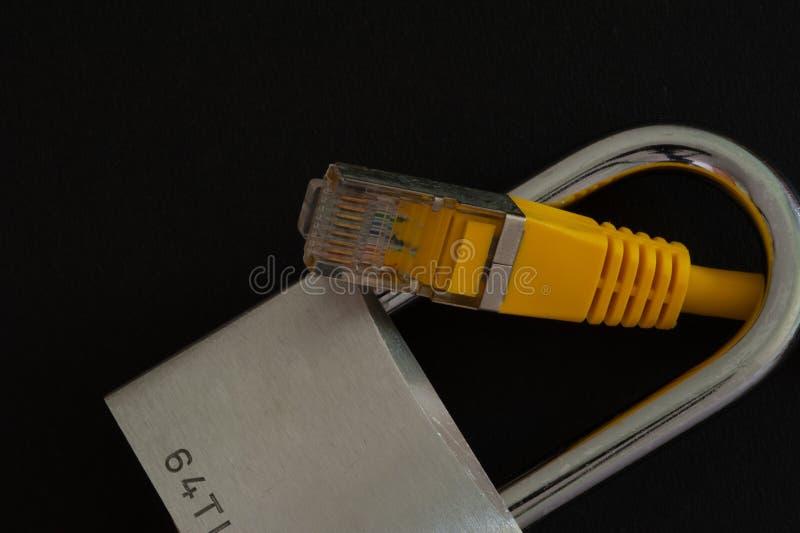 Asegure la conexi?n a internet fotos de archivo libres de regalías