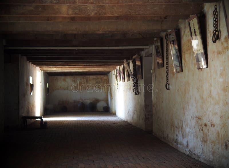 Asement使用了作为监狱在一个老葡萄酒殖民地样式房子的贮藏室 库存照片