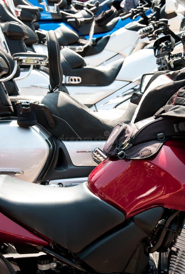 Asenovgrad, Plovdiv / Bulgarie - 09/05/2019: Une exposition de motos sportives alignées de suite photos libres de droits