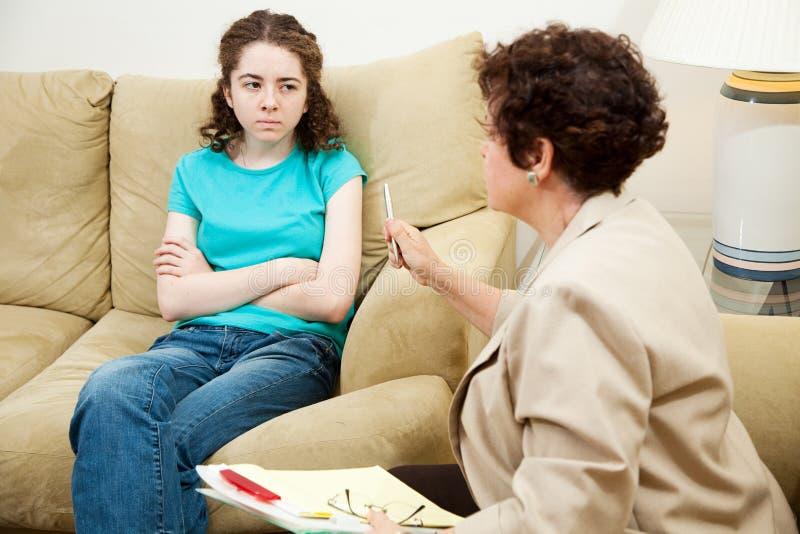 Asesoramiento - adolescente enojado foto de archivo libre de regalías