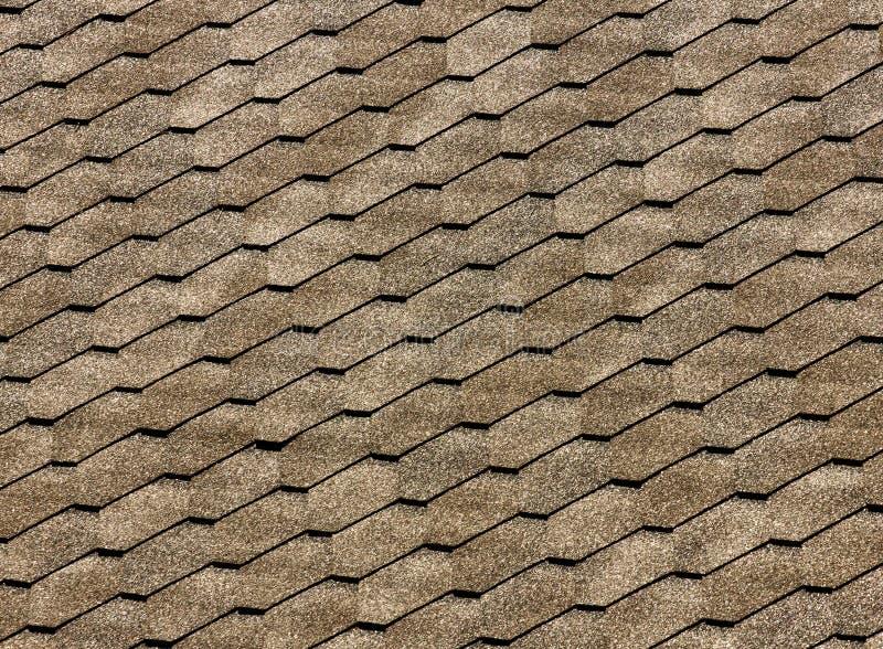 Asfalte telhas do telhado - construção do telhado, reparo de telhado Para o fundo ou a textura imagem de stock royalty free