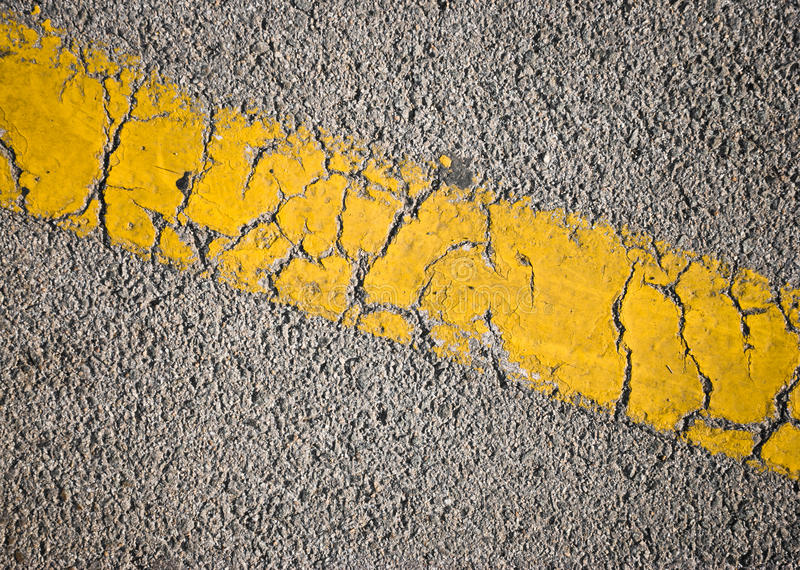asfaltera linjen vägyellow royaltyfria foton