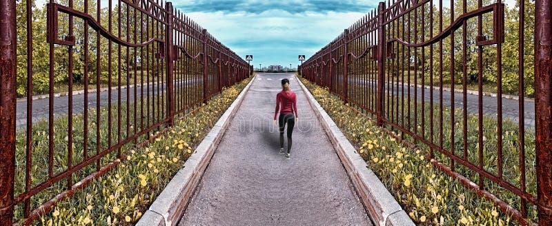 Asfalterar rostiga staket för Retro stil åt sidan vägen med den sportiga flickan, gula maskrosor och grönt gräs som leder till de royaltyfri illustrationer