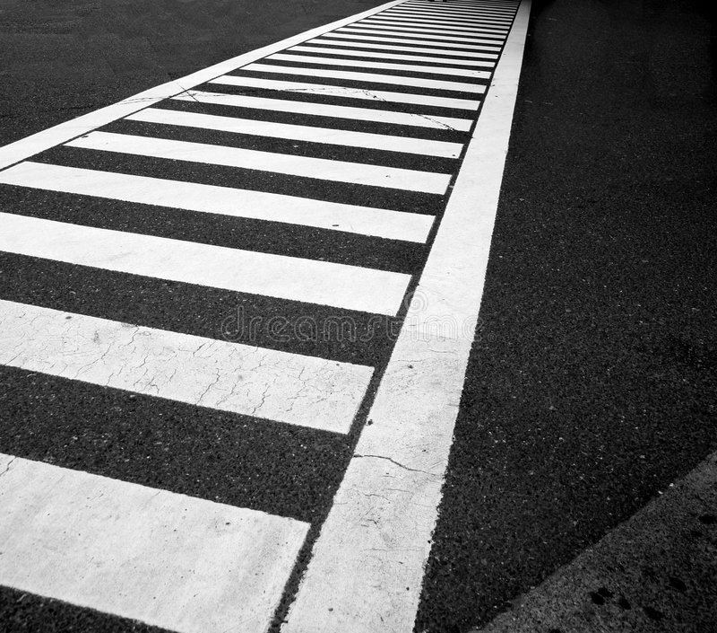 asfaltlinjer trafik arkivbilder