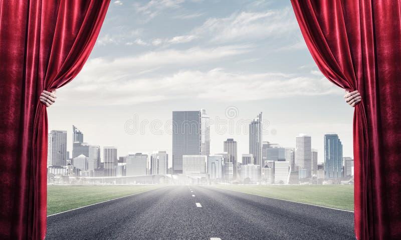 Asfalto la carretera detr?s de la cortina roja y d? sostenerla ilustración del vector