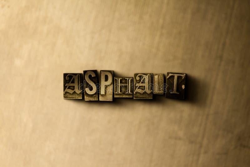 ASFALTO - primo piano della parola composta annata grungy sul contesto del metallo illustrazione vettoriale