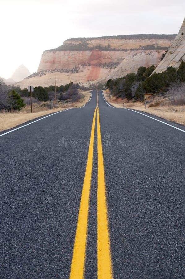 asfaltowa długa droga zdjęcia stock