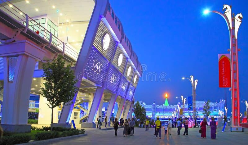 Asgabat, il Turkmenistan - 24 settembre 2017: Vista di notte del fotografie stock