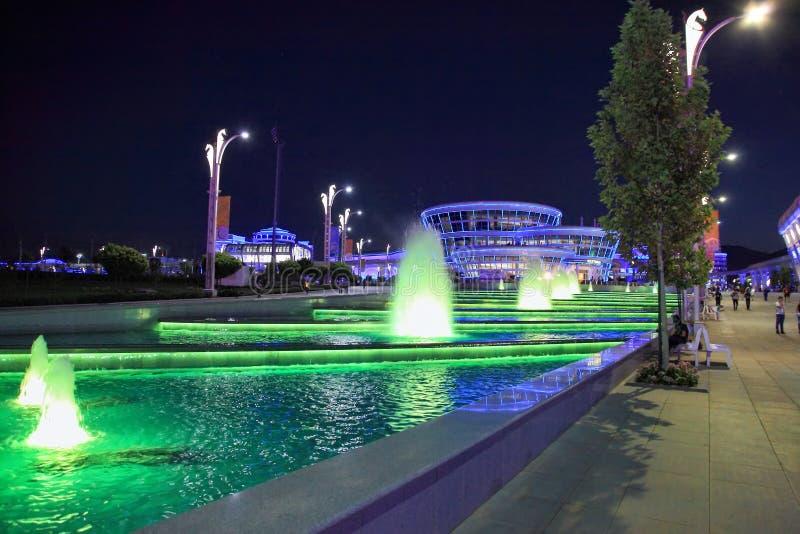 Asgabat, il Turkmenistan - 22 settembre 2017: Vista di notte del fotografia stock libera da diritti