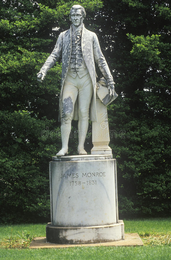 Ash Lawn, grounds of President James Monroe with statue, Charlottesville, Virginia stock photography