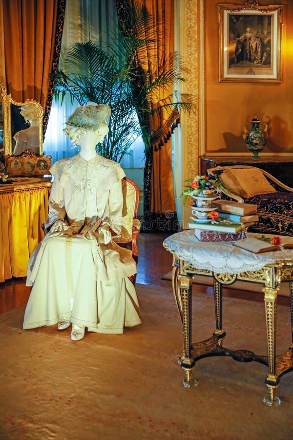ASHEVILLE, NOORD-CAROLINA - MAART 4, 2017: De tentoonstelling van het Biltmore` s kostuum royalty-vrije stock afbeeldingen