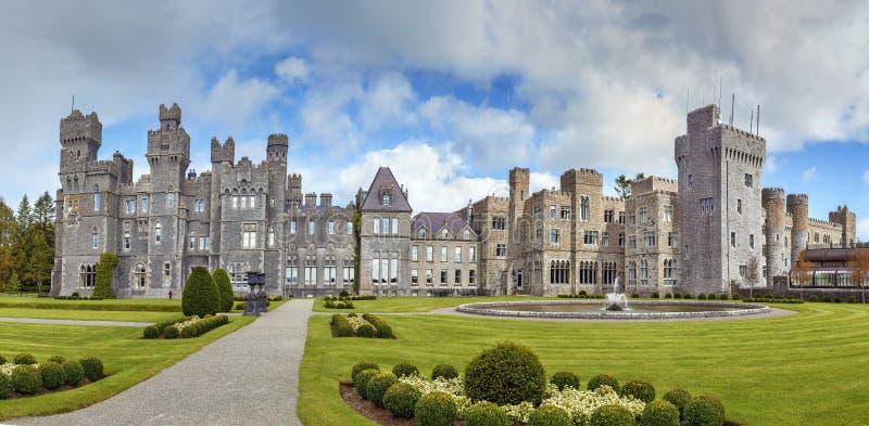 Ashford Schloss, Irland lizenzfreie stockbilder