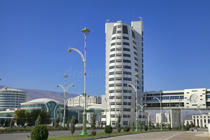 Ashgabat, Turkmenistan - Oktober 23, 2014: Een deel van complex - Olympisch Dorp (Ashgabat, 2017) stock afbeeldingen