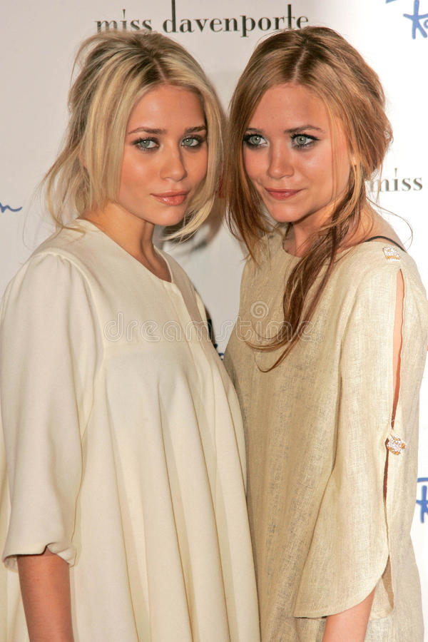 Ashley Olsen en Mary-Kate Olsen   royalty-vrije stock afbeeldingen
