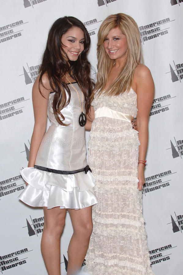 Ashley Tisdale, Vanessa ANNE Hudgens foto de stock royalty free