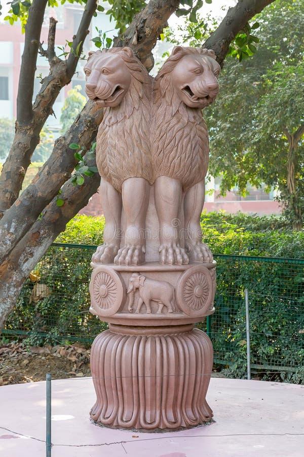 Ashoka鹿野苑,瓦腊纳西,北方邦,印度的柱子首都 库存照片