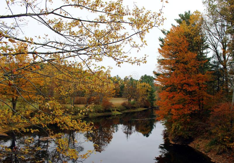 Ashuelot River in Winchester, New Hampshire stockfotos