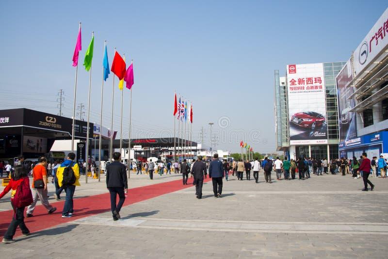 Asia China, Pekín, exposición del automóvil del international 2016, área de exposición al aire libre imagen de archivo