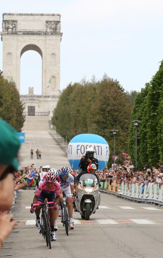Asiago, VI Włochy, Maj, - 27, 2017: Cykliści podczas kolarstwo akademii królewskich obraz royalty free