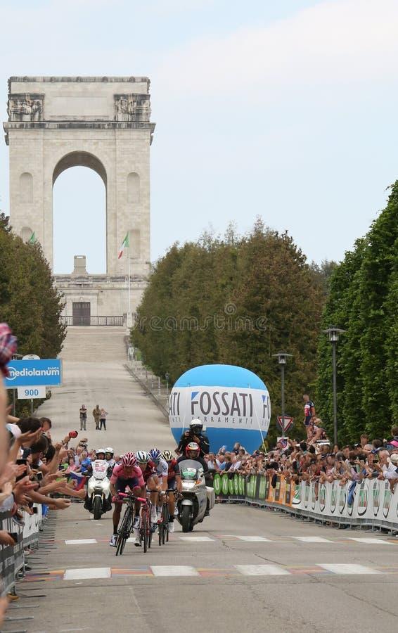 Asiago, VI Włochy, Maj, - 27, 2017: Cykliści podczas kolarstwo akademii królewskich fotografia royalty free