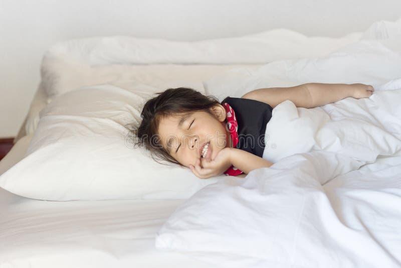asian-girl-sleep