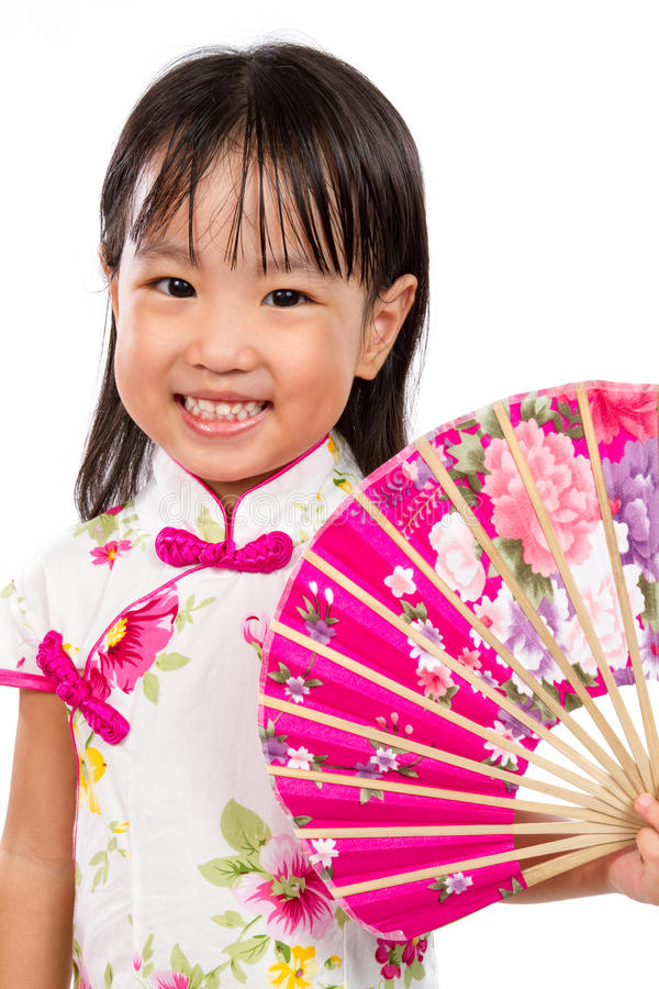 Free Asian Little Chinese Girl Holding Oriental Fan Stock Photography - 67447132