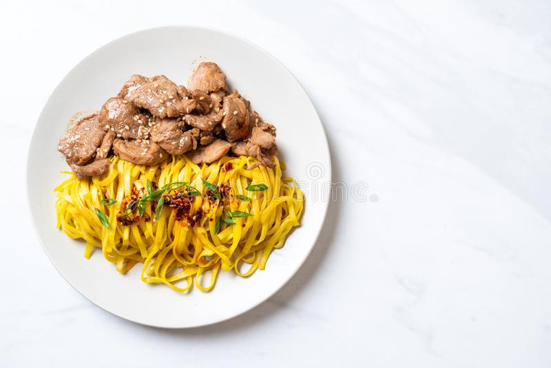 asian stir-fried noodle with pork stock photography