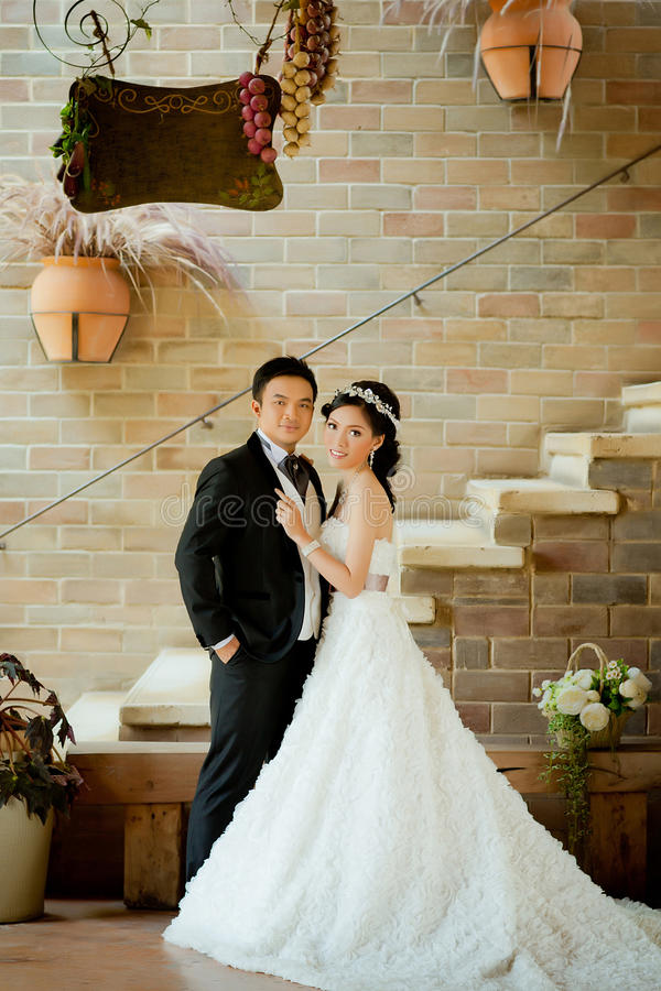 Download Asian Wedding Couple Show Concept Of Love Stock Image - Image: 37484853