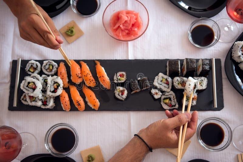 Asiatisch, Ernährung und gesundes Mittagessen lizenzfreie stockfotos