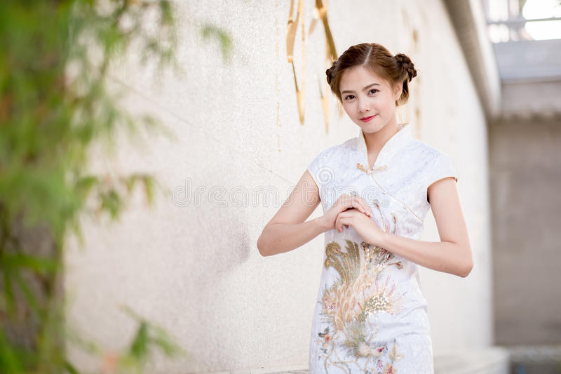 asiatische chinesische Frau lizenzfreie stockbilder