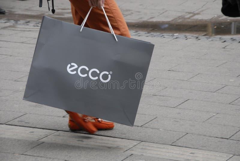ASIATISCHE ECCO-KÄUFER lizenzfreies stockfoto