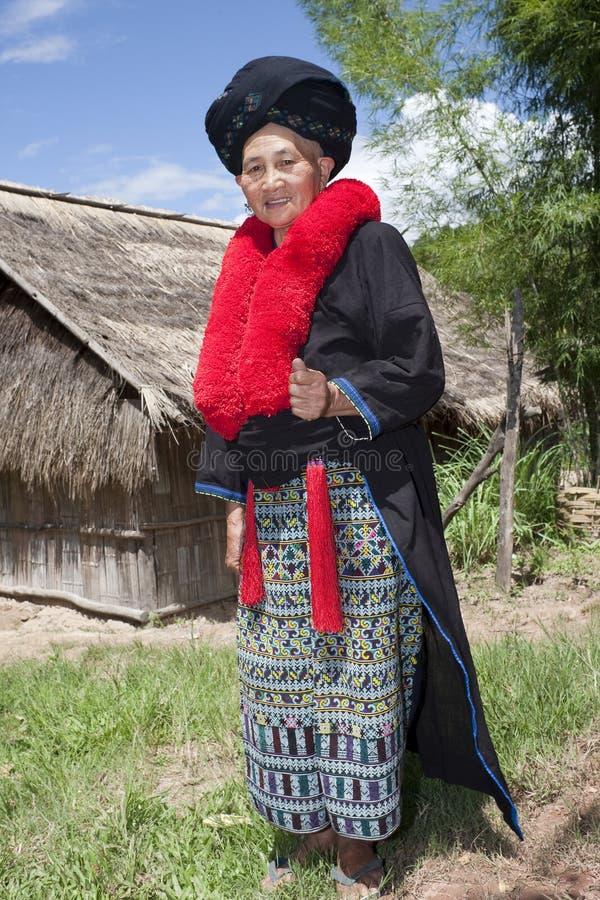 Asiatische Frau mit Kleid in Laos, Yao lizenzfreie stockbilder