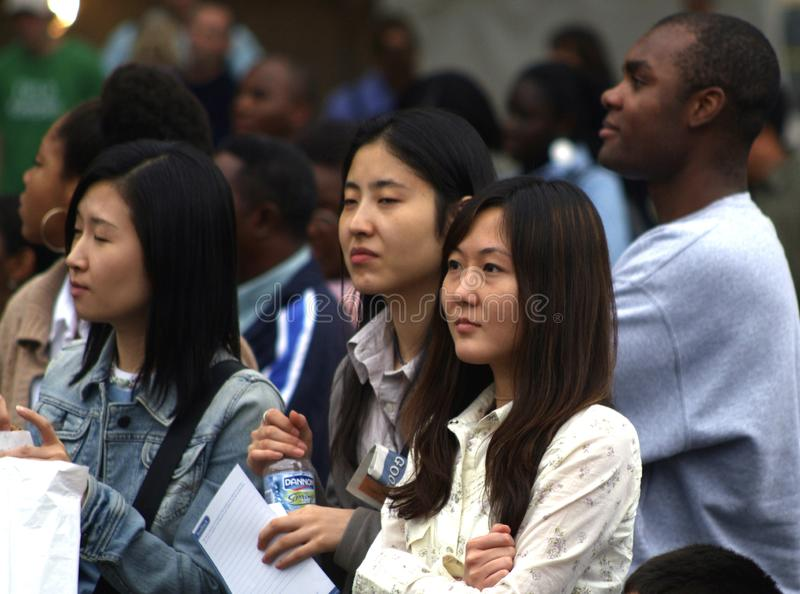 Asiatische giirls nehmen an Christian Concert in Washington, DC teil lizenzfreies stockfoto