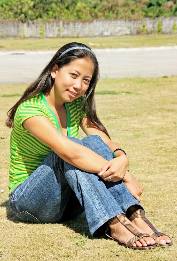 Asiatische junge Dame lizenzfreies stockbild