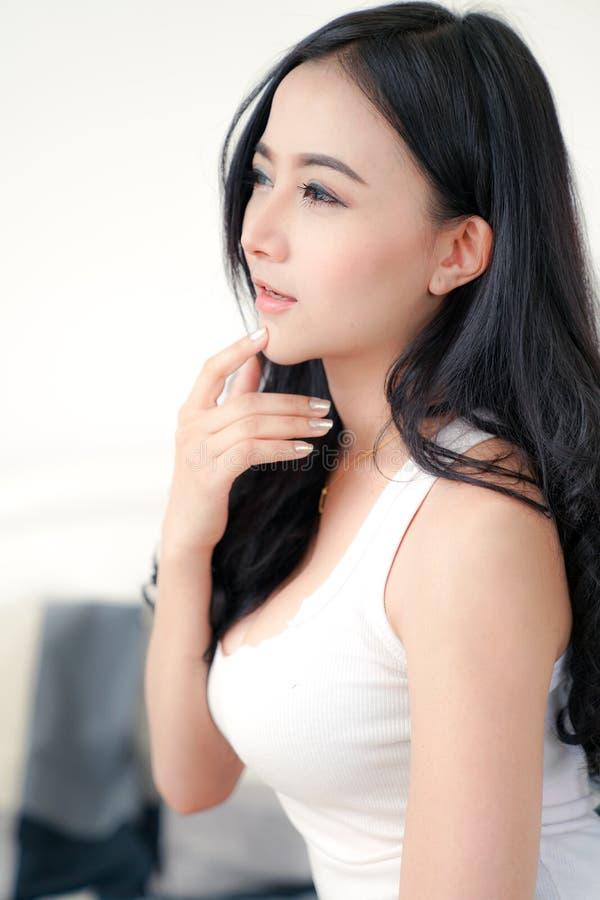 Asiatische junge sexy Dame stockfotos