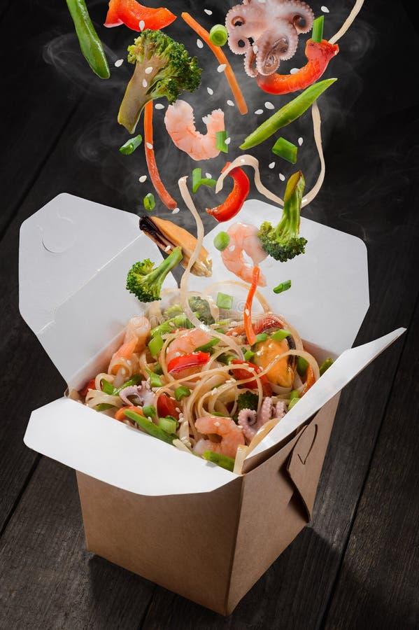 Asiatische Lebensmittellieferung lizenzfreie stockfotos