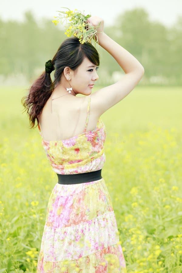 Asiatische Schönheit im Freien lizenzfreies stockfoto