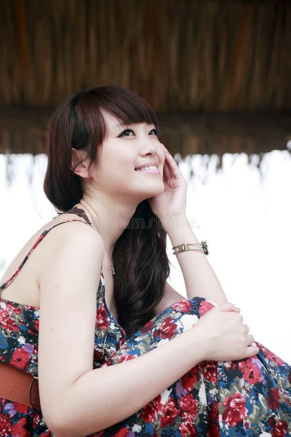 Asiatische Schönheit im Freien stockfoto