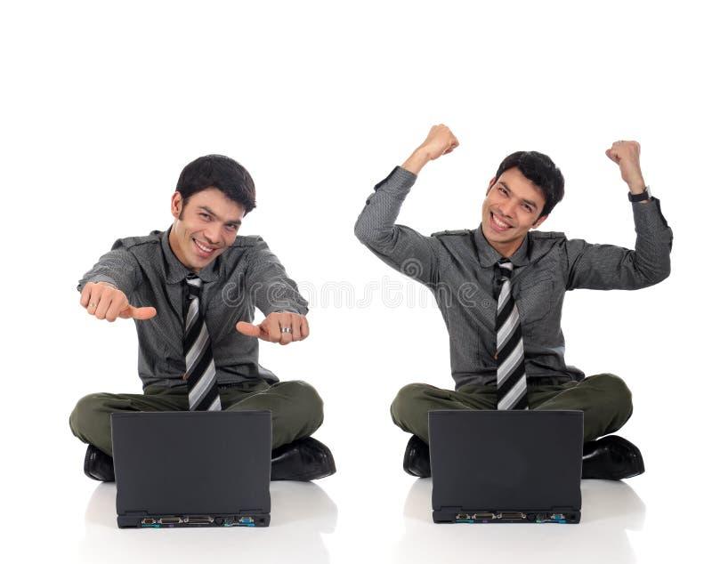 Asiatischer glücklicher Geschäftsmann stockfoto