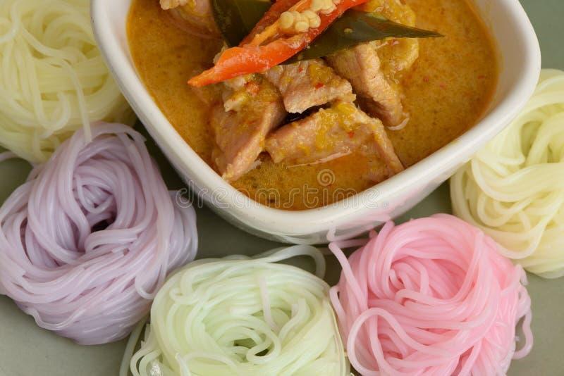 asiatischer Lebensmittelschweinefleischcurry lizenzfreies stockbild